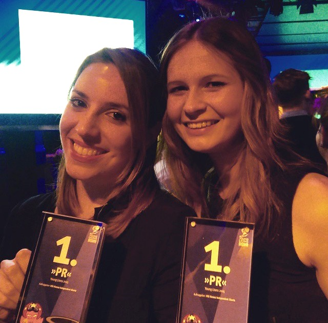 Martina Berger und Nina Nawara gewinnen die Young Lions 2015 in der Kategorie PR