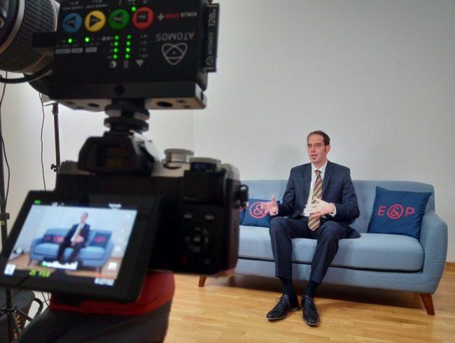 E&P Am Sofa mit Peter Sander